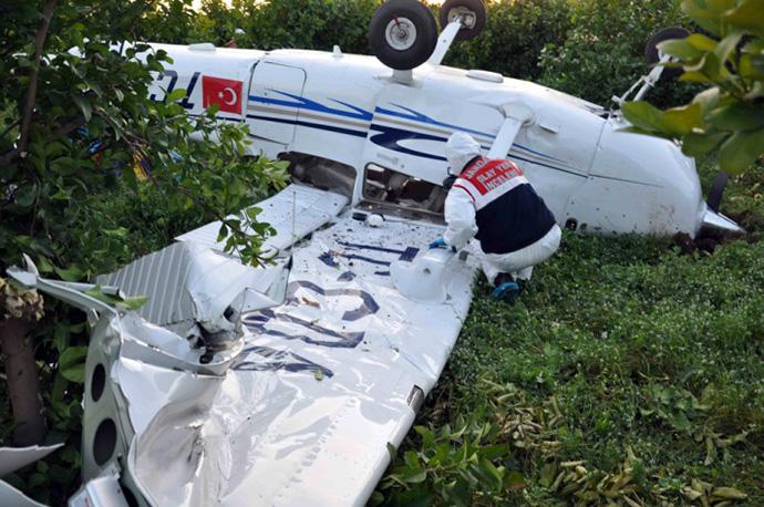 Tarsus'ta Cessna düştü